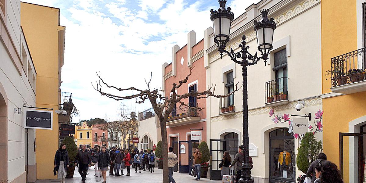 La roca village barcelona espa a mck project consultants for Centro la roca
